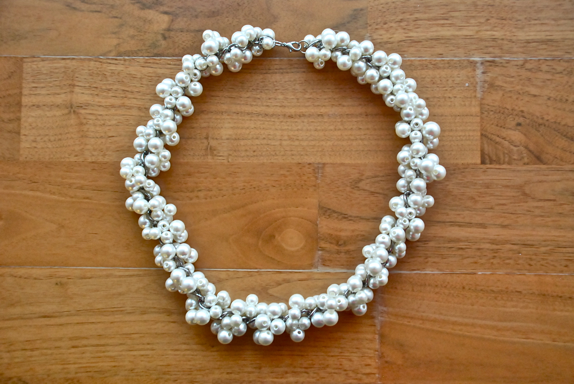 """This Necklace Doesn't Fall Into My Usual """"style"""" But It's A Great Mix Of A  Statement Piece And A More Traditional Look Amazing When Paired With A Lbd"""