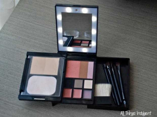 GlamPact Makeup Kit